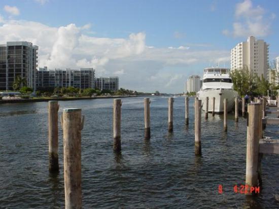 boat trip Hollywood Florida
